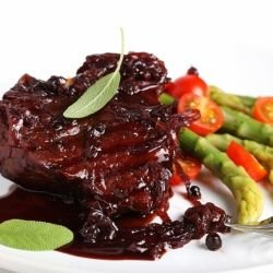Steak with Red Wine Sauce and Blueberries