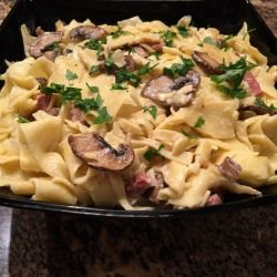 Tagliatelle with Cream, Mushrooms and Ham