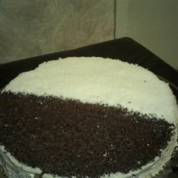 Cake with Biscuits, Cream and Chocolate Spread