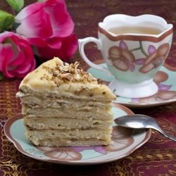 Biscuit Cake with Swiss Buttercream