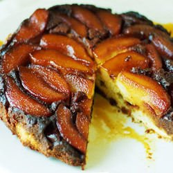 Cake with Caramelized Pears