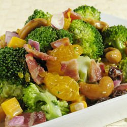 Broccoli Salad with Cashews and Mandarins