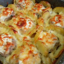 Casserole with Fresh Potatoes and Meatballs