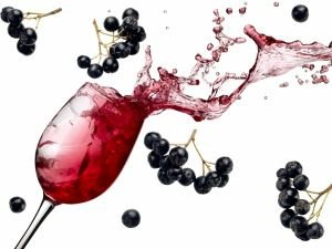 How to Make Wine from Aronia