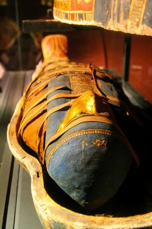 Mummy with Jewelry Uncovered in Luxor
