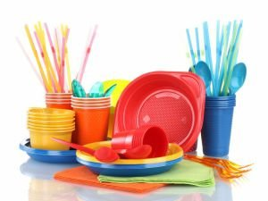 Plastic Plates and Cutlery Cause Kidney Damage