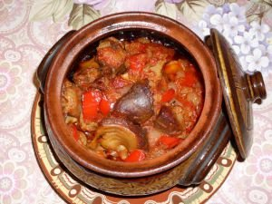 Appetizing Gizzards and Hearts in a Clay Pot
