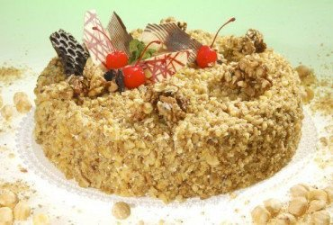 How to Make a Croquant for a Cake?