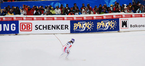 Lindsey Vonn secured the World Cup downhill title, Fischbacher wins the race