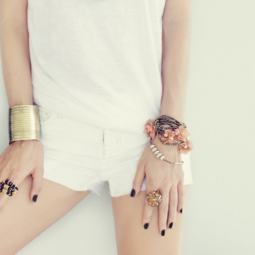 Never Wear Gold and Silver Together! Find out Why