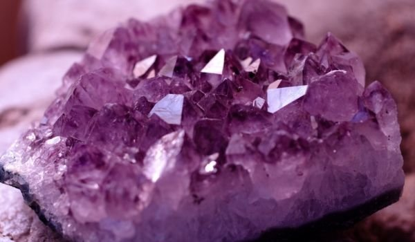 Which Gemstones are Suitable for Cancer?