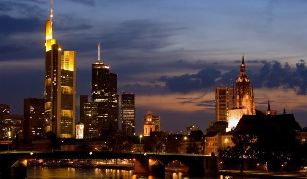 Frankfurt and Main river at night