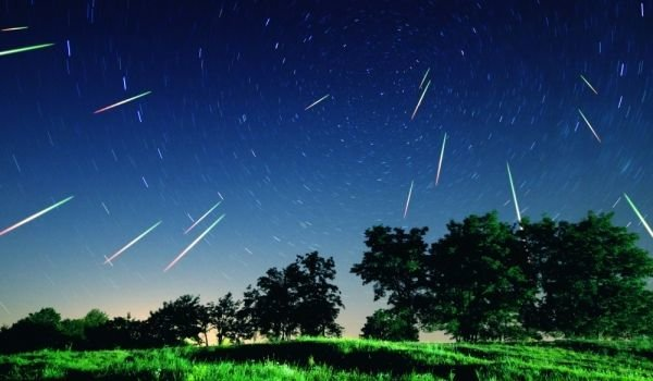 What are the Beliefs and Omens about Seeing a Meteor Shower?