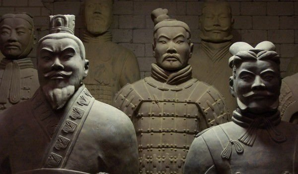 People buried alive with the emperor in China